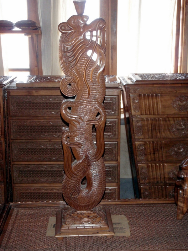Picture Of Dragon Lamp Stand   Fully Carved